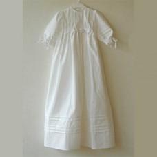 Dopklänning i vit bomull